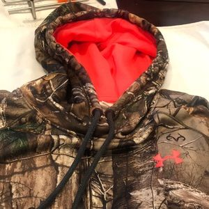Under Armour Real Tree size small Camo hoodie